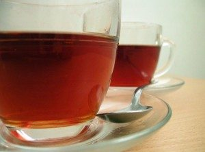 Two_cups_of_tea_with_spoon-300x222