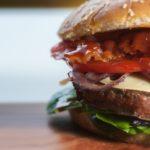 Hogyan készítsünk jó hamburgert otthon?