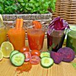 Hűsítő gyümölcs és zöldséglevek